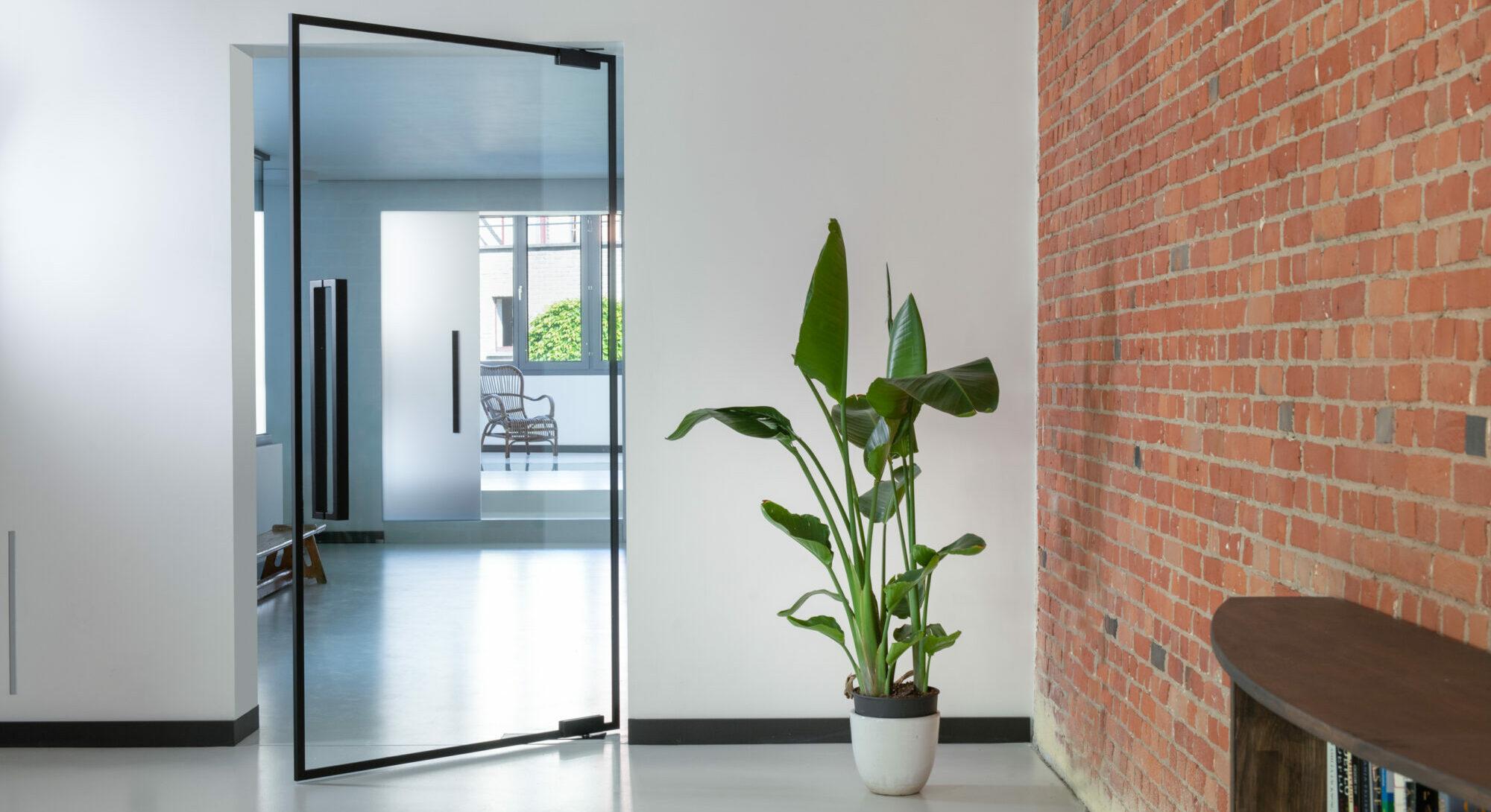 Glazen deuren: met vloerpomp